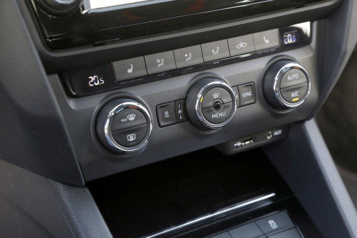 Skoda Octavia Combi RS мультимедиа