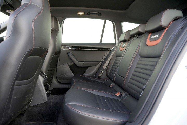 Skoda Octavia Combi RS задние сидения
