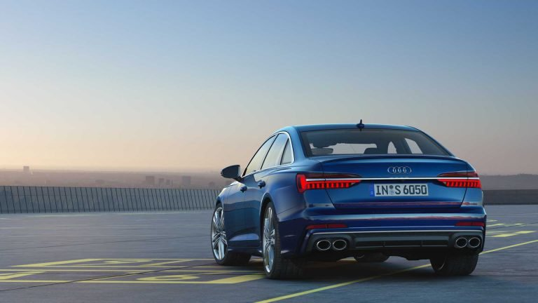 Audi S7, синий цвет корпуса