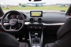 Приборная панель Audi-Q2